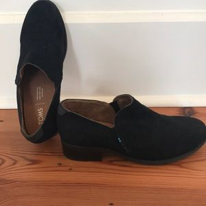 Toms black suede booties